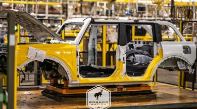 ford-bronco-assembly-line