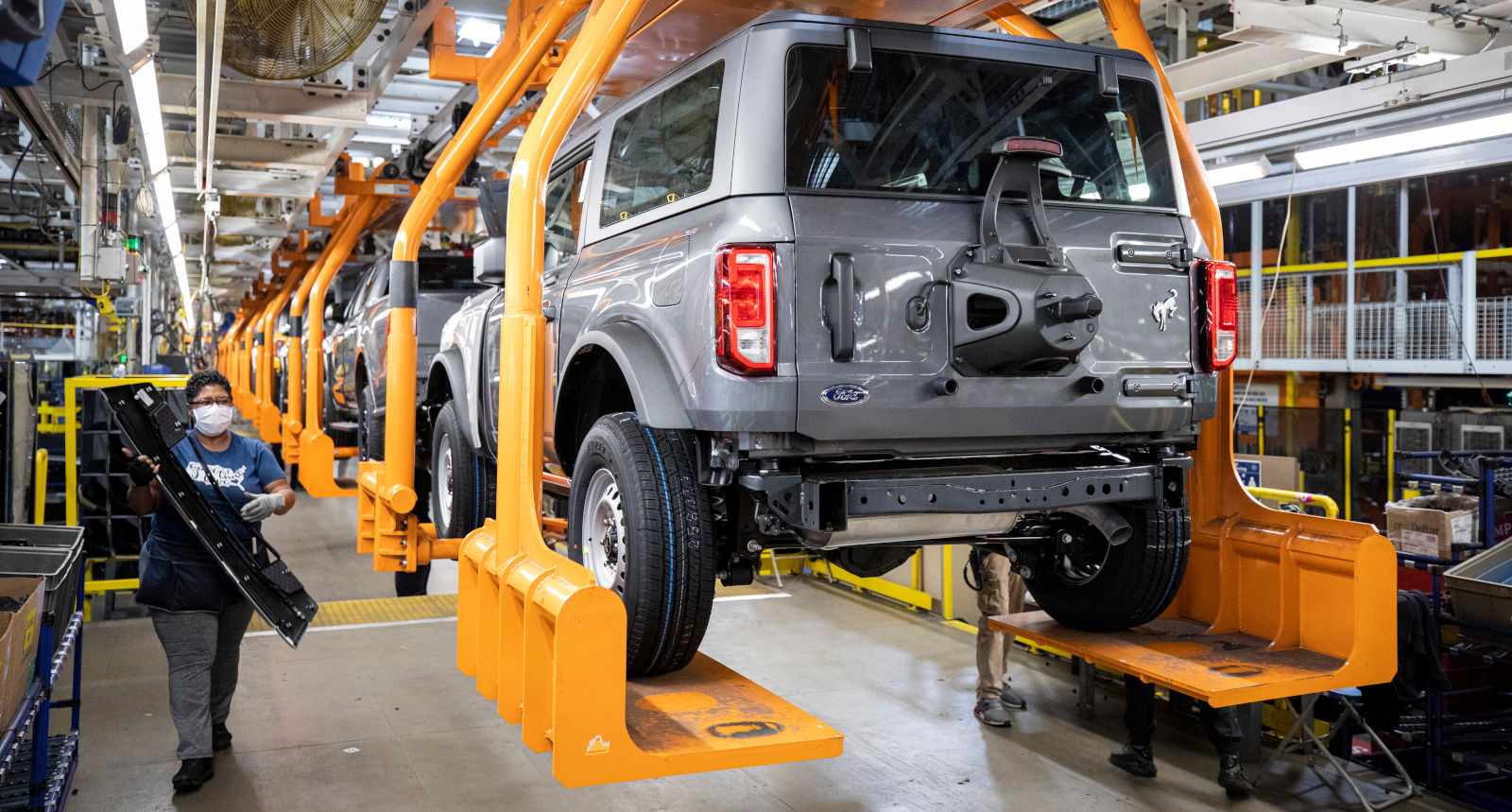 2021 Ford Bronco Production Underway, Shipments Begin